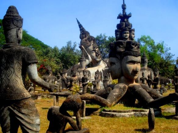 Xieng Khuan, Laos